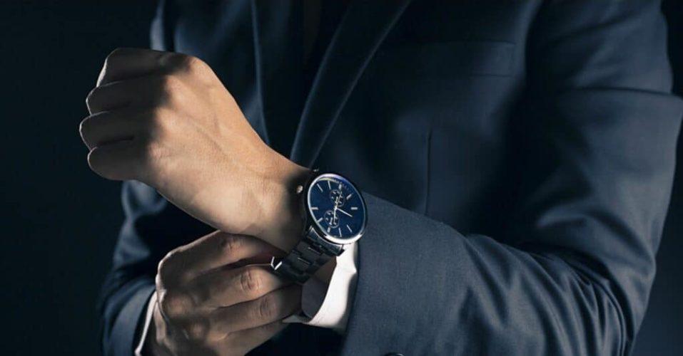 Quel est l'intérêt de porter au poignet une montre qui coûte très cher ?